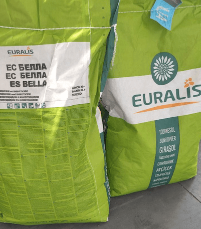 Упаковка оригинальных семян подсолнуха